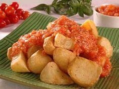 Veja a receita e como preparar Tapas, um prato típico da Espanha. Petisco…