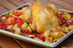 Roasted chicken with potatoes, pepper and tomatoes-Poulet rôti aux pommes de te. Roasted chicken with potatoes, pepper and tomatoes-Poulet rôti aux pommes de terre, poivron et tomates Roasted chicke Slow Cooker Chicken Pasta, Stew Chicken Recipe, Chicken Pasta Recipes, Roast Chicken, Italian Meat Dishes, Roasted Chicken And Potatoes, Potluck Dishes, Stuffed Peppers, Cooking