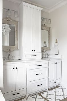 """Duchess of york: House Tour: I like the cabinets.  The mirrors are too """"fancy"""""""