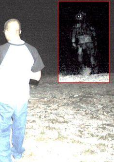 Humanoid night creature pic declared authentic by Brad Steiger's photo expert - Memphis ufo | Examiner.com