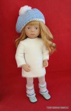 Белый и голубой. Уютный комплект для куклы Minoucne / Одежда и обувь для кукол - своими руками и не только / Бэйбики. Куклы фото. Одежда для кукол