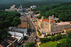 Hot Springs Arkansas Hotels Downtown | ... Arlington Hotel ( right ) in downtown Hot Springs (Garland County