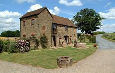 £487 Worcestershire- The Hop Pocket and Oast House