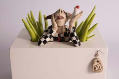 Out of the Box- Spring is in the Air - Ans Vink Ceramic Pottery, Ceramic Art, Ceramic Poppies, Clay People, Ceramics Projects, Air Dry Clay, Clay Art, Sculpture Art, Art Dolls