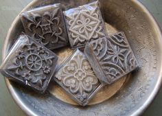 Hamam bol et savons - the texture in the soap - fantastic molds! Diy Savon, Soap Carving, Grey Home Decor, Soap Packaging, Handmade Soaps, Handmade Cosmetics, Soap Recipes, Home Made Soap, Bath And Body