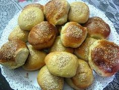 Pane tortuga o pan para hamburguesas de polenta y puré de papas