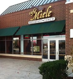 We are now in Miele Cafe! Orland Park, IL #AdamTea