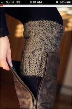 cut an old sweater sleeve and use as sock look-a-like without the bunchy-ness in your boot. Or use old sweater sleeves as leg warmers. Look Fashion, Diy Fashion, Ideias Fashion, Fashion Ideas, Funky Fashion, Fashion 2014, Fashion Beauty, Vintage Fashion, Fashion Tips
