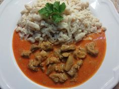 Výborné vykostené kuracie stehná s cuketou, RECEPT overený Thai Red Curry, Rice, Chicken, Meat, Ethnic Recipes, Food, Red Peppers, Cooking, Essen