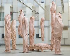 bart hess manipulates pink latex to resemble wrinkled human skin in grotto installation Bart Hess, Fashion Installation, Art Installation, Ceramic Sculpture Figurative, Instalation Art, Le Clown, A Level Art, Skin Art, Body Image