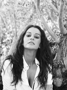A Maui, Hawaii, USA based photographer specializing in documentary style family portraits Maui, Hawaii, Happy Family, Family Photographer, Family Portraits, Documentaries, Long Hair Styles, Books, Beauty