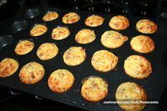 Klasická pizza ale ne ve tvaru v jakém ji známe. I forma na muffiny dokáže pomoci při pečení pizzy.
