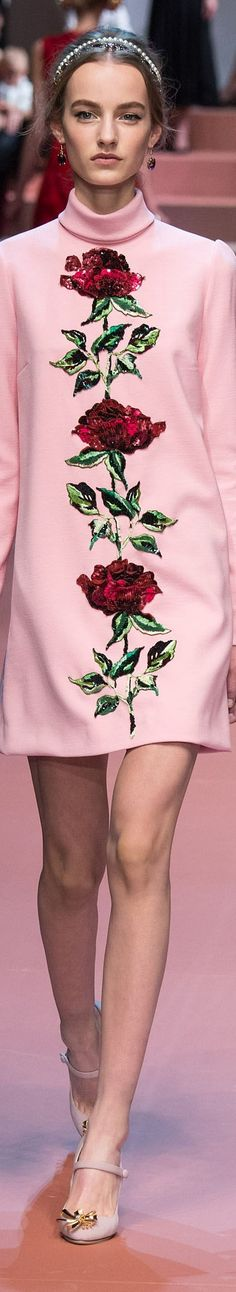 Dolce and Gabbana FW 2015 RTW Glamour, Classic Fashion, Fall Winter 2015, Skirt Fashion, Casual Wear, Blouses, Gowns, Elegant, Long Sleeve