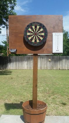 DIY outdoor dart board