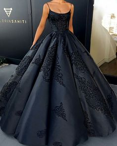 Prom Dress Princess, 2018 Ball Gown Prom Dress Modest Beautiful Vintage Cheap Long Prom Dress Shop ball gown prom dresses and gowns and become a princess on prom night. prom ball gowns in every size, from juniors to plus size. Straps Prom Dresses, Ball Gowns Prom, Modest Dresses, Elegant Dresses, Pretty Dresses, Formal Dresses, Long Dresses, Dress Prom, Formal Prom