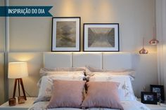 As duas tendências aparecem em detalhes da decoração: nas almofadas e nos pendentes ao lado da cama