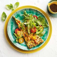 Tuna, Zucchini & Pea Slice Seafood Recipes, Dinner Recipes, Cooking Recipes, Healthy Recipes, Green Zucchini, Soul Food, Family Meals, Omelettes, Quiches