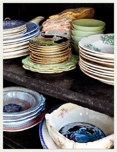 note to self- go thrifting more so my dishware looks like this...although I think I already have the tiger plate in B.