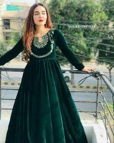 Pakistani Fashion Party Wear, Pakistani Wedding Outfits, Indian Fashion Dresses, Indian Designer Outfits, Designer Dresses, Indian Outfits, Stylish Dresses For Girls, Stylish Dress Designs, Designs For Dresses