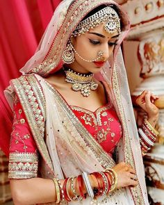 Indian Bride in Traditional Red Wedding Lehenga with white contrast net lehenga dupatta. Indian Tv Actress, Beautiful Indian Actress, Beautiful Bride, Dead Gorgeous, Red Wedding Lehenga, Bridal Lehenga Choli, Lehenga Dupatta, Anarkali Dress, Sari Design