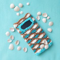 Sea Shell Smartphone Case Crochet Pattern – Nice crocheting! Half Double Crochet, Single Crochet, Crochet Hooks, Free Crochet, Coastal Style, Slip Stitch, Sea Shells, Crocheting, Smartphone