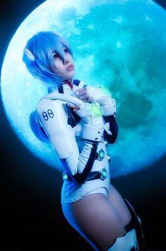 Ayanami Rei Eva-00 from Evangelion  Cosplay by Haki  photo by Pacho Velandia #AyanamiReicosplay #Evangelion #cosplayclass