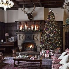 Houses for hire, for reels; Huntsham Court, Devon ... With 34 bedrooms, five and a half acres of grounds, two kitchens and five enormous reception rooms, venues don't get much grander than huntsham court in Devon. See our full selection of beautiful houses to  hire this Christmas via the link in our bio #BazaarLoves #Christmas