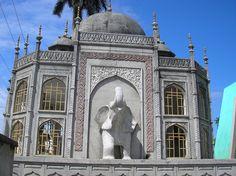 Guatemala - A Mini Taj Mahal in one of the cemeteries