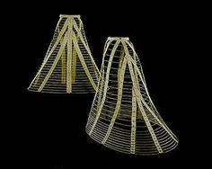1865-8_hoop_skirts-horsehair.jpg 350×279 pixels] BUT THEN IT KEEPS FLOWING, LONG TANGLED TRAIN OF WIRE!