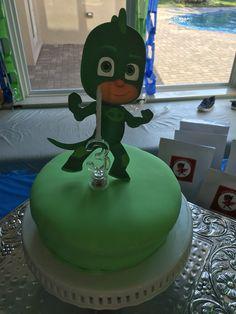 Gekko birthday cake 3rd Birthday Parties, Boy Birthday, Birthday Ideas, Birthday Cake, Avengers Birthday, Pj Mask, Mask Party, Party Stuff, Paw Patrol