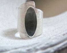 Banda larga anello Tatoo fatto per ordine moderno semplice