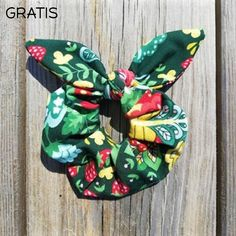 Scrunchies Digitalt Mønster Scrunchies, Christmas Ornaments, Sewing, Holiday Decor, Inspiration, Biblical Inspiration, Dressmaking, Couture, Christmas Jewelry