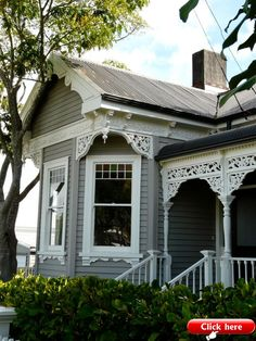 New Zealand Villa Exterior Paint House, Cottage Style, Cottage Exterior, Victorian Homes, House Styles, Old Houses, Weatherboard House, House Painting, House Colors