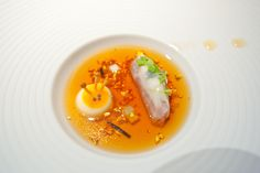 #fdarba #Heston Blumenthal #Soup #Barok #Egg #Gold leaf #Orange #White #Antenna of snail #Liquid #Ravioli