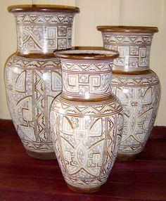 MARAJOARTE: CONJUNTO DE VASOS GRANDE TAPAJÔNICO Arte Tribal, Mexican Art, Handicraft, Terracotta, Concept Art, Creativity, Porcelain, Clay, Study