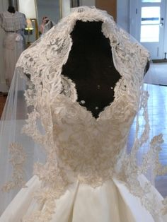 A hand crafted one of a kind Solstiss lace wedding veil produced in studio at Chris Hudson Couture. Wedding Veil, Wedding Dresses, Vintage Lace, Fox, Behance, Style Inspiration, Couture, Bridal, Studio