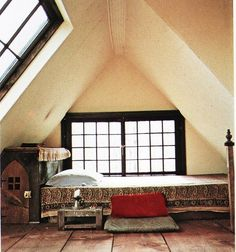 I've soo wanted an attic bedroom since  A CInderella Story with Hillary Duff