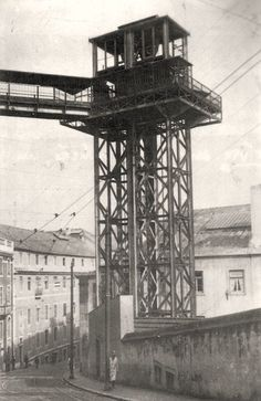One of Lisbon old elevators that no longer exists. Old Pictures, Old Photos, Art Transportation, It's Going Down, Portugal Travel, Most Beautiful Cities, Portuguese, Black And White, City