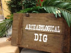 Archaeological Dig for Kids- Ideas and decorating Vbs Themes, School Themes, Room Themes, Vbs Crafts, Crafts For Kids, Archaeology For Kids, Bible School Crafts, Vacation Bible School, Partys