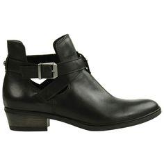Boots ajour�es basses noires