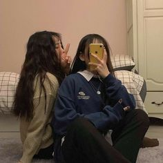Best Friends Shoot, Best Friend Pictures, Cute Friends, Bff Girls, Girls In Love, Ulzzang Korean Girl, Ulzzang Couple, Korean Best Friends, Girl Friendship