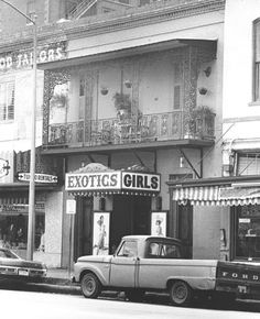 """Before Warren's Inn relocated to the space, this Market Square spot was filled with """"Exotic Girls""""! Sometimes it still is."""