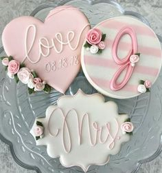 Icing on cokies for wedding. Royal Icing on cokies for wedding. – bestlooksRoyal Icing on cokies for wedding. Fancy Cookies, Valentine Cookies, Iced Cookies, Cute Cookies, Valentines, Christmas Cookies, Wedding Shower Cookies, Wedding Cake Cookies, Bridal Shower Cakes