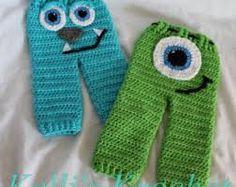 Resultado de imagen para pantalones a crochet para niñas con mostros por atras