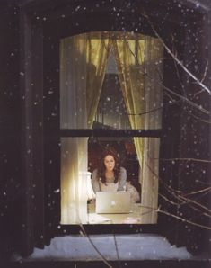 Love Getting Home: Carrie Bradshaw's Apartment on we heart it / visual bookmark #36560926