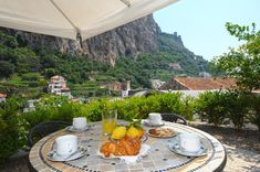 Set in a former convent in the centre of Amalfi, Relais San Basilio Convento offers self-catering apartments with a mountain-view terrace. Amalfi Italy, Amalfi Coast, Hotel Reservations, Outdoor Furniture Sets, Outdoor Decor, Vacation Spots, Vacation Apartments, Terrace, Patio