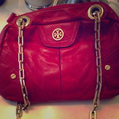 Keeping Authentic Tory Bag & Dustbag! Pre-Loved Bag in Stunning Red❤️ Adjustable Straps!!! Can be worn as hand bag and chain extends to shoulder bag:0  Great Condition!!! Nothing wrong with it, gold Hardware is good, some signs of wear. I can take additional pictures for those who are truly interested Tory Burch Bags