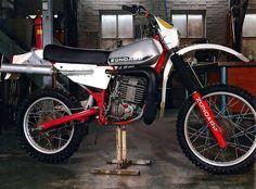 Enduro Vintage, Vintage Motocross, Vintage Bikes, Motocross Bikes, Dirt Bikes, Scrambler, Scooters, Cars And Motorcycles, Biker