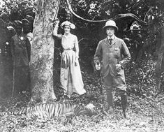 Lord and Lady Cuzon, governor of India in 1903 with tiger.