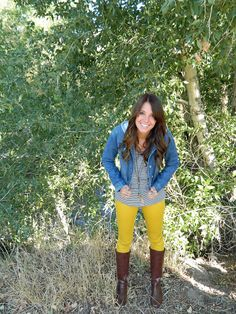 We're all smiles about this #FallFashion look. Love the layers & boots!